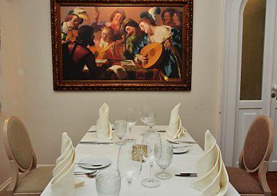 Gourmet-Abendessen mit Wein und Essen 8
