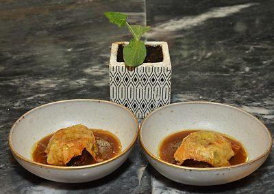 Gourmet-Abendessen mit Wein und Essen 12