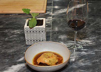 Gourmet-Abendessen mit Wein und Essen 13