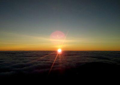 Nascer do Sol acima das nuvens 4