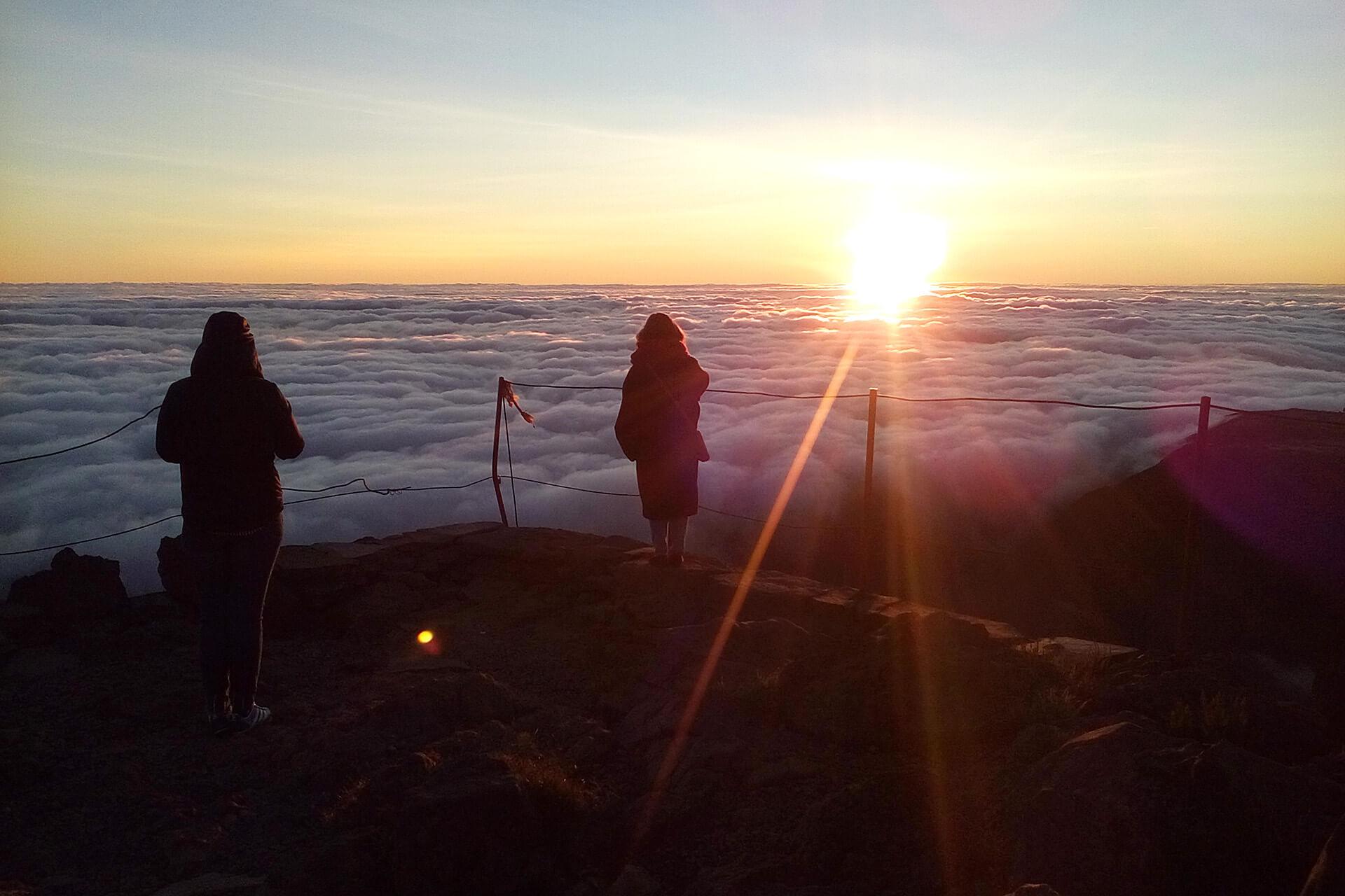 Nascer do Sol acima das nuvens 6